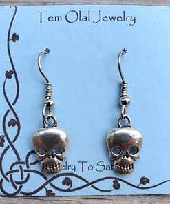 Small Skull Earrings Tem Olal