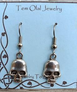 Small Skull V Earrings Tem Olal