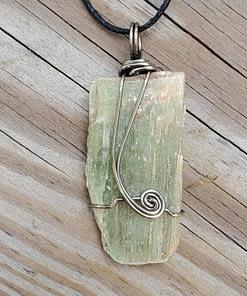 Green Kyanite Wire Wrap Pendant2